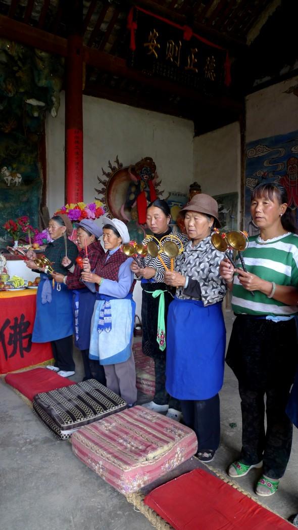 Local women offer praise for the Goddess of Mercy