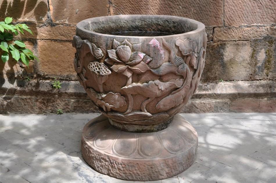 Shaxi Pear Orchard Temple water urn, Yunnan China
