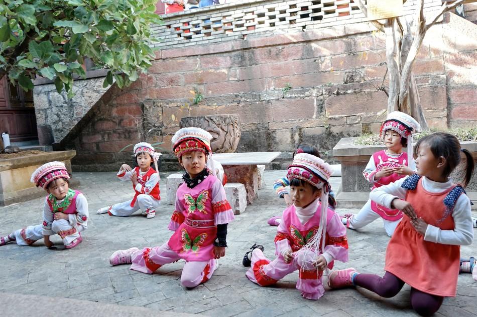 Diantou Village Gilrs practice Bai dance - Pear Orchard Temple - Shaxi Yunnan China