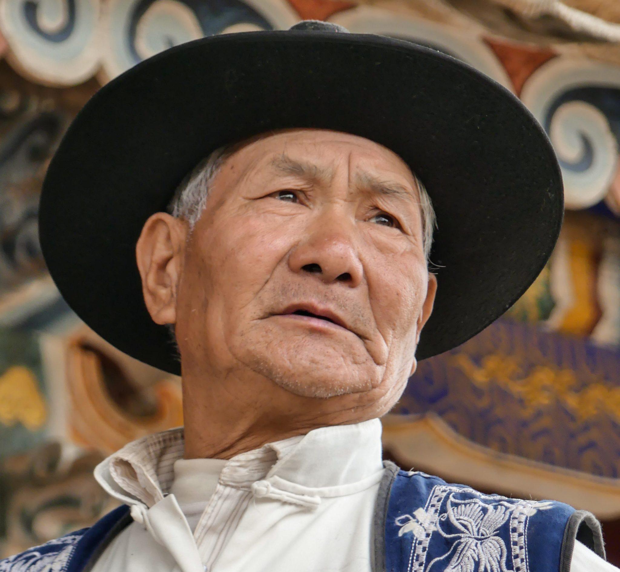 Local performer - Shaxi Shibaoshan Singing Festival - Old Theatre Inn tours - Yunnan China